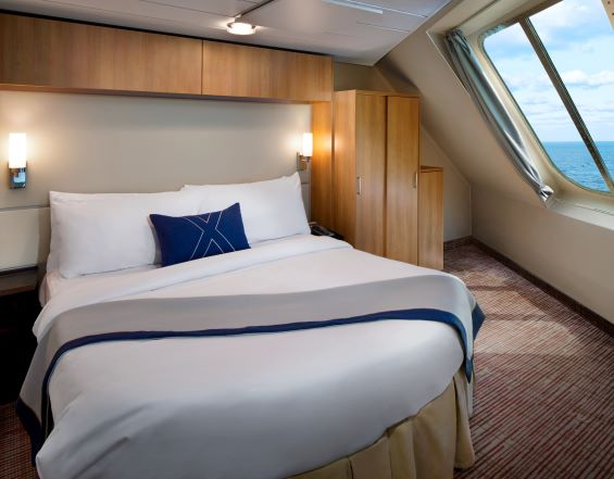Family Oceanview Stateroom with Veranda, FV
